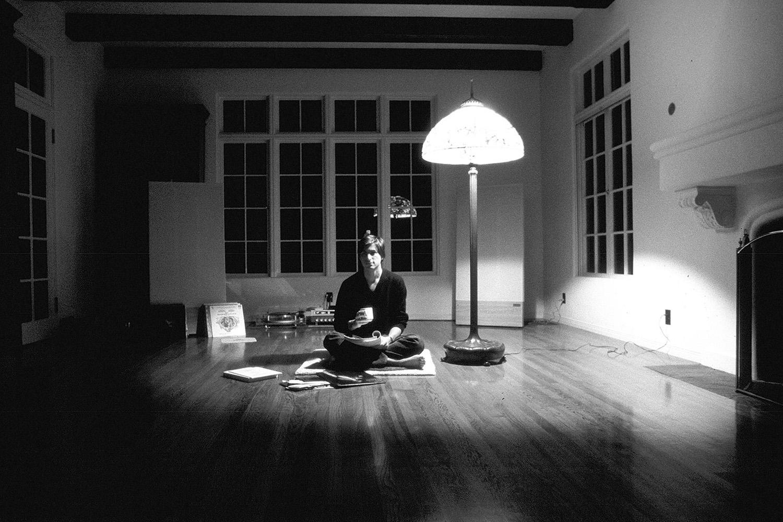 Steve-Jobs-Minimalism-Apartment